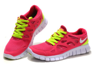 How to Choose the Best Running Shoes for Women with Flat Feet